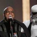 Gnarls Barkley vestido de Darth Vader en los premios MTV