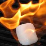 Hielo Ardiendo, un gas inflamable en estado sólido se derrite y arde.
